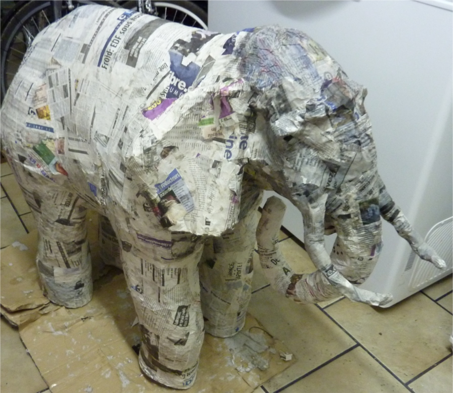 elephant en papier maché